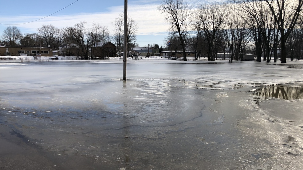 Wolf River approaches flood stage in Shiocton - Fox11online.com