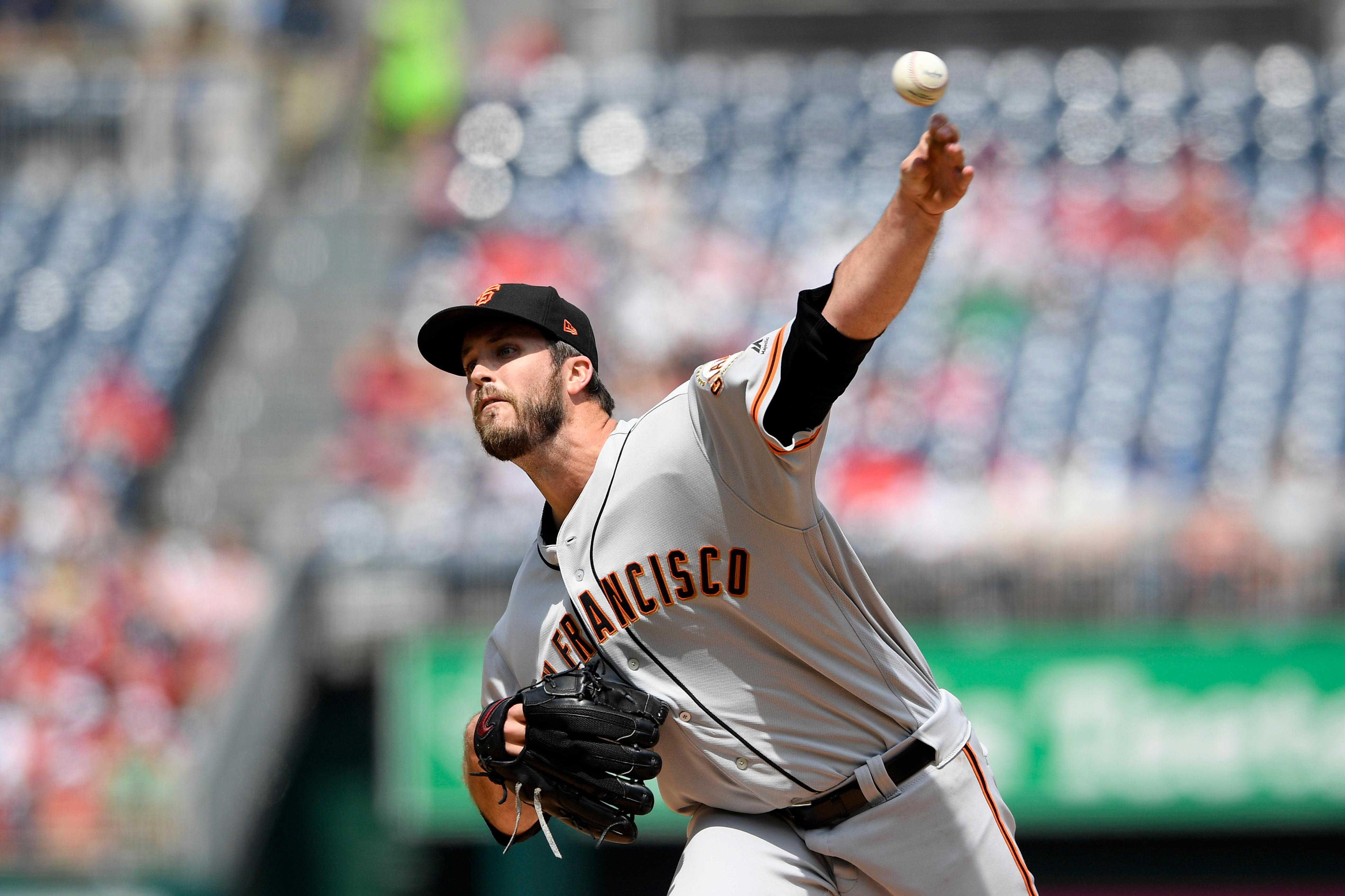 San Francisco Giants starting pitcher Drew Pomeranz delivers a pitch during the first inning of a baseball game against the Washington Nationals, Thursday, April 18, 2019, in Washington. (AP Photo/Nick Wass)