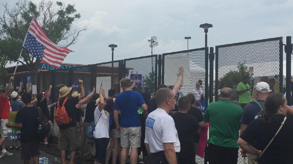 DNC builds fence around arena to keep protesters out