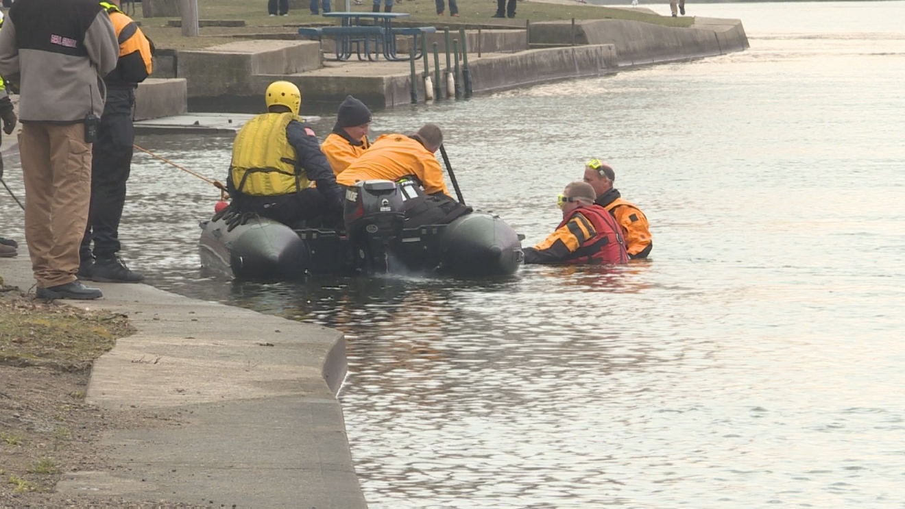 A car was recovered from the St. Joseph River in Elkhart Monday. // WSBT 22 photo