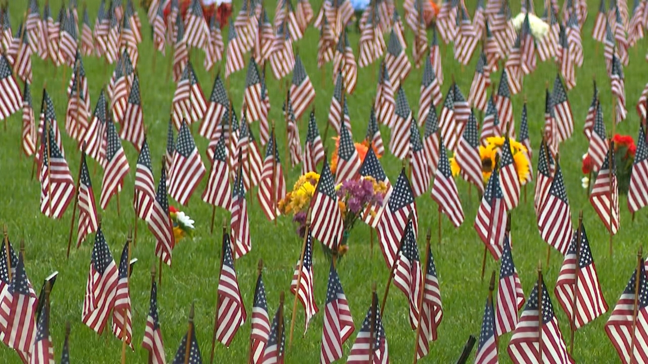 Nov. 11, 2020 -{ }People visited the Western Carolina State Veterans Cemetery in Black Mountain this Veterans Day to honor those who served and have passed on. (Photo credit: WLOS Staff)