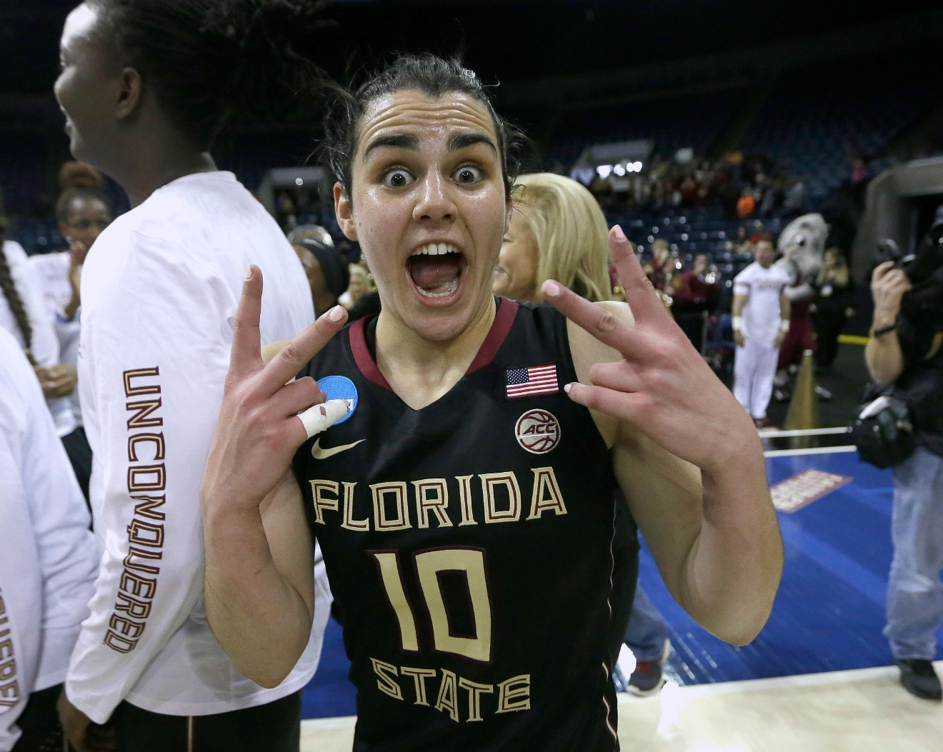 Florida State guard Leticia Romero celebrates after defeating Oregon State 66-53 in a regional semi-final round game of an NCAA college basketball tournament, Saturday, March 25, 2017, in Stockton, Calif. (AP Photo/Rich Pedroncelli)