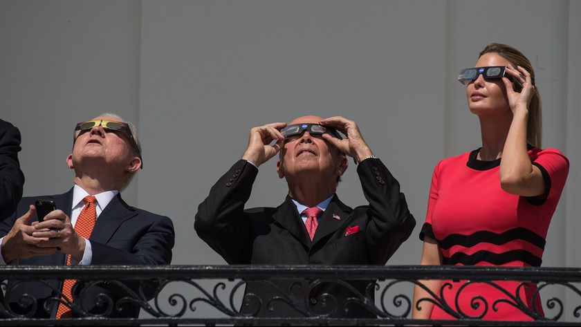 trump-eclipse3-1503359672369-8071571-ver1-0.jpg