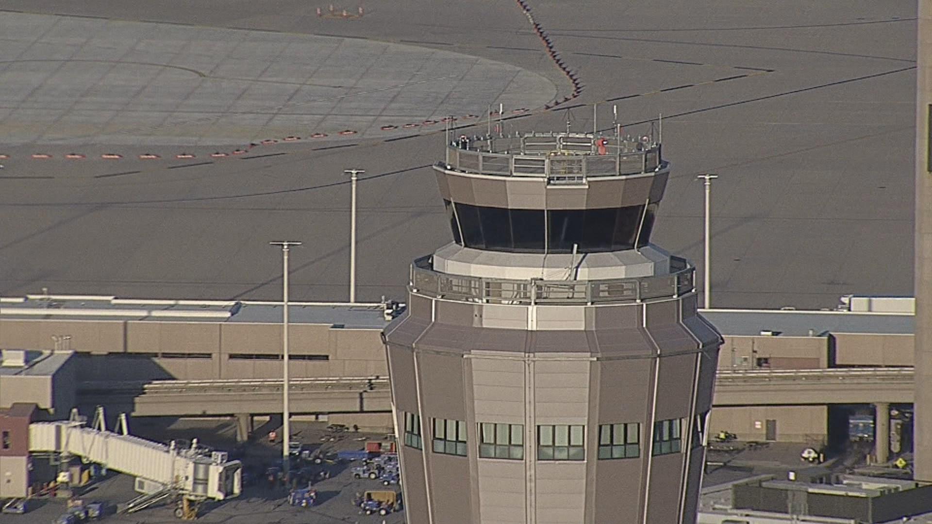 See the split-second decisions that keep you taking off and touching down safely. News 3 takes you inside the tower to see the skills required to navigate the McCarran approach. (KSNV)